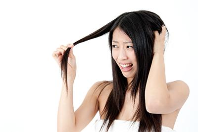 髪の毛がうねってしまう